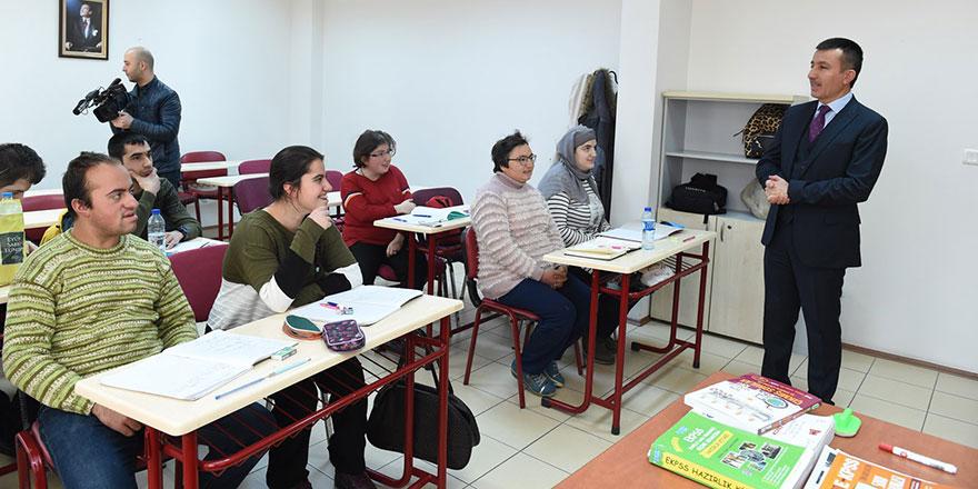 Altındağ'da E-KPSS'ye yoğun ilgi