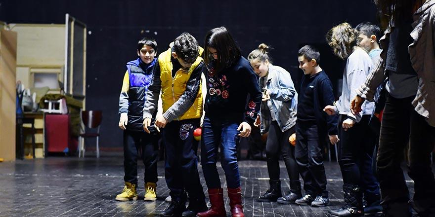 Başkent'te drama eğitimi