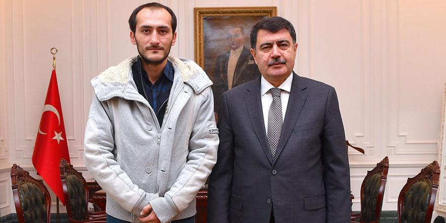 Ankara Valisi Vasip Şahin Hasan'a yardım eli uzattı