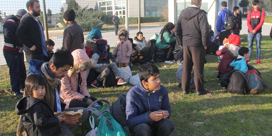 """Göçmenlerin dramı """"Avrupa'ya"""" diye Adana'ya getirdiler"""