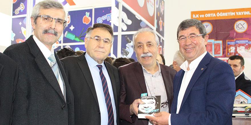 """""""KOBİ Mehmet"""" kitapseverlerle buluştu"""