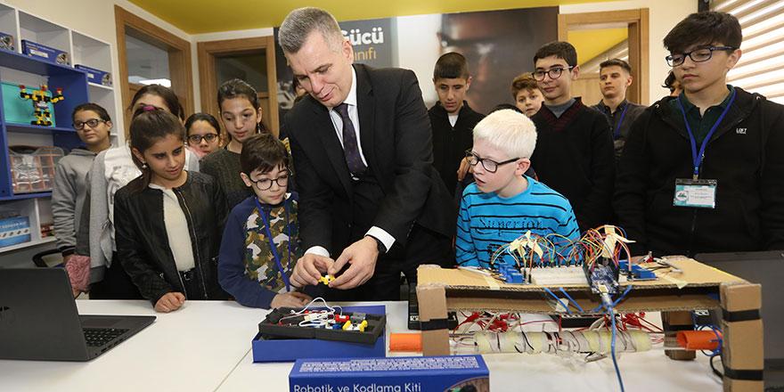 Ankaralı görme engelli çocuklar hayallerini Turkcell ile kodluyor