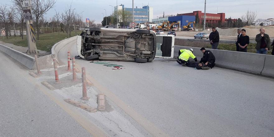 Ayaş yolunda otomobil takla attı: 1 yaralı