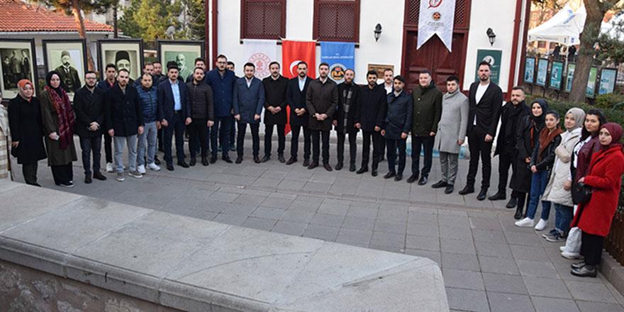Ak Gençlik Ankara Akif'in İzinde
