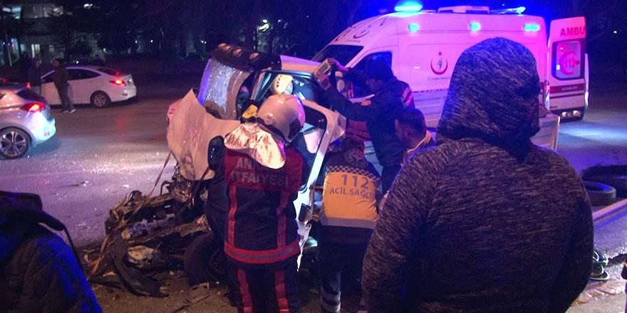Çankaya'da otobüse arkadan çarpan kamyonetin sürücüsü öldü