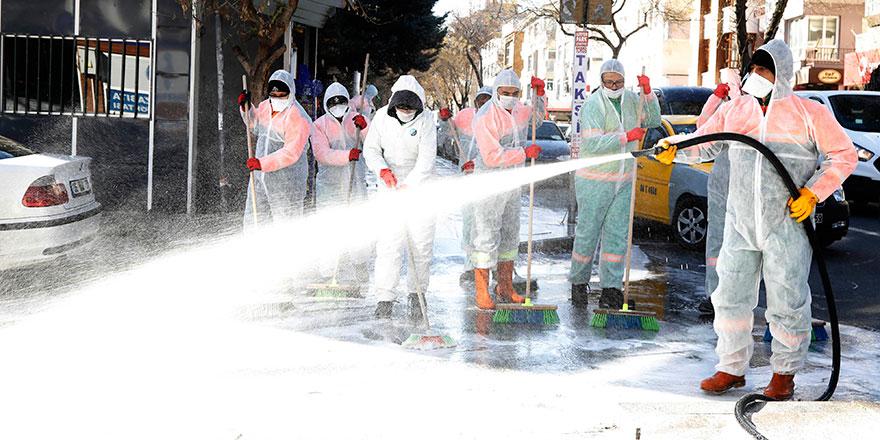 Çankaya'da cadde ve sokaklar yıkandı