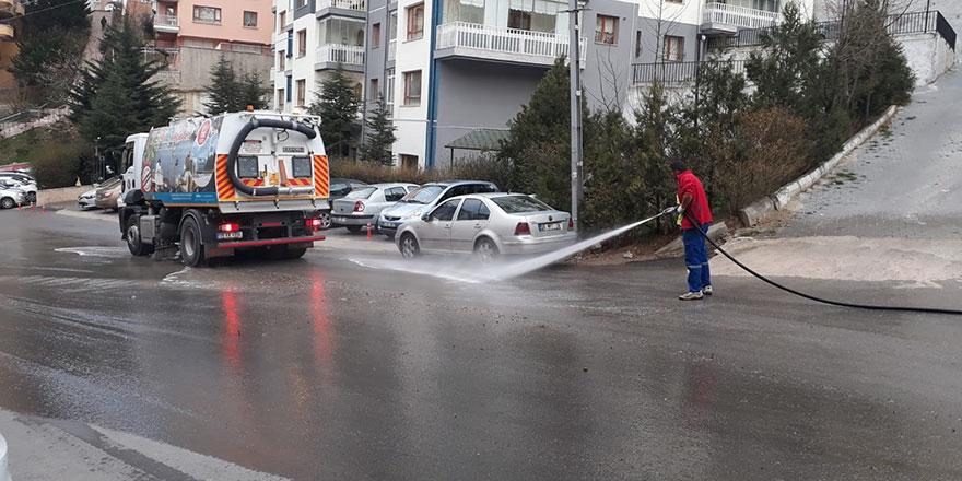 Keçiören'de caddeler dezenfekte ediliyor