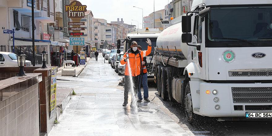 Etimesgut'ta caddeler yıkanıyor