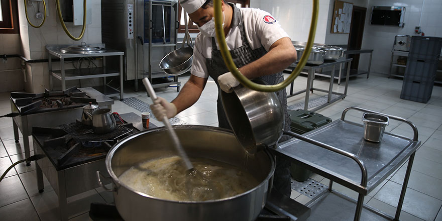 Sincan Belediyesinden sağlıkçılara çorba ikramı