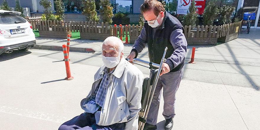 Kasım Akyüz 96 yaşında koronavirüsü yendi