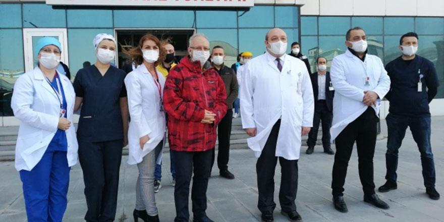 Prof Dr. Oğuz Özyaral, korona virüsü yendi
