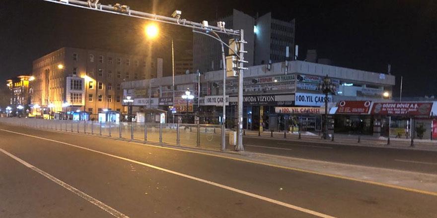Ankara sokağa çıkma kısıtlamasıyla sessizliğe büründü