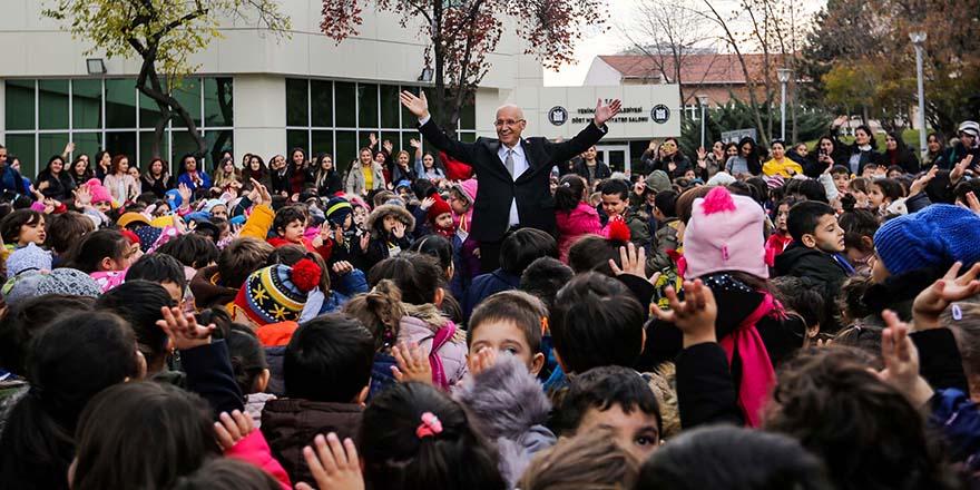 Başkan Yaşar'dan çocuklara mesaj var