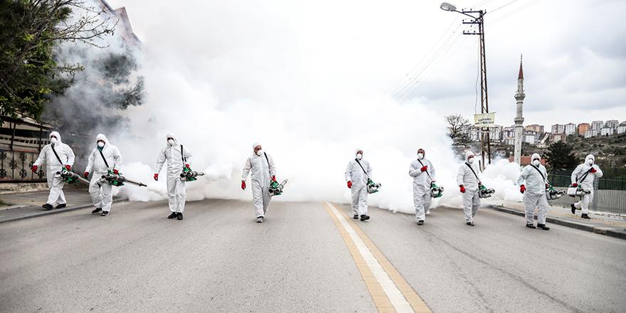 Bir mahalle uçtan uca dezenfekte edildi