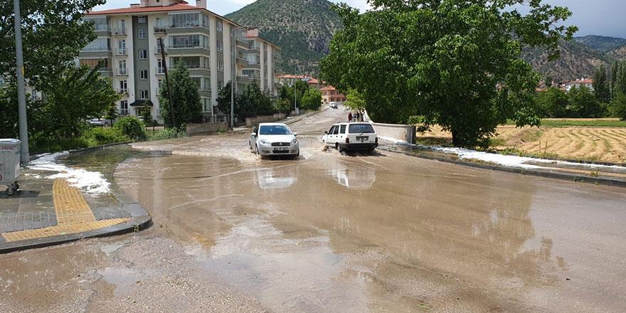 Ankara'da fırtına ve dolu etkili oldu