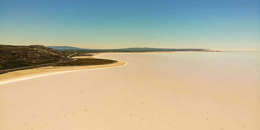Tuz Gölü'nde şaşırtan görüntü