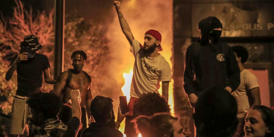 ABD'de ırkçılık isyanı şiddetini arttırdı
