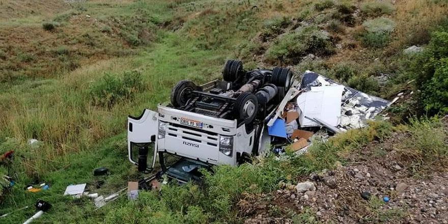 Solta Boğazında kamyonet takla attı