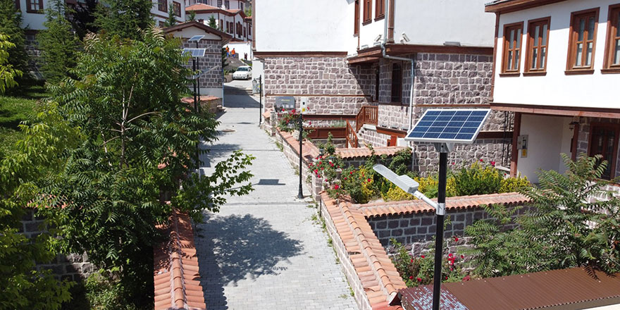 Hamamarkası'na güneş enerjisi