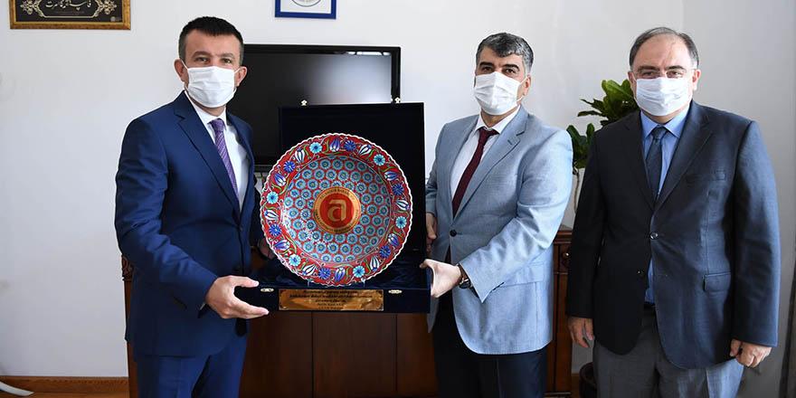 Prof. Dr. Gülüm'den Balcı'ya teşekkür ziyareti