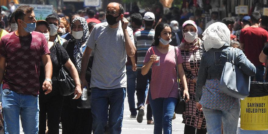 Ankara'da maske takmayanlara ceza yağdı