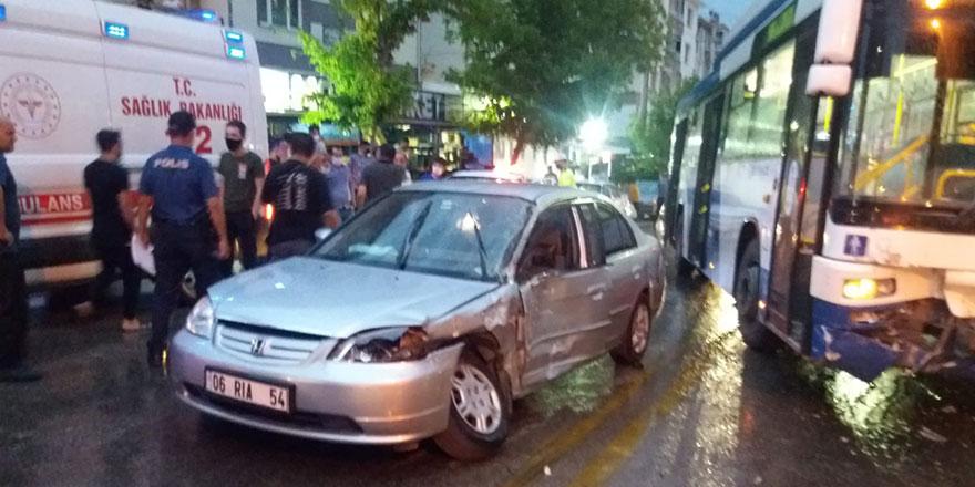 EGO otobüsü otomobile çarptı: 2 yaralı