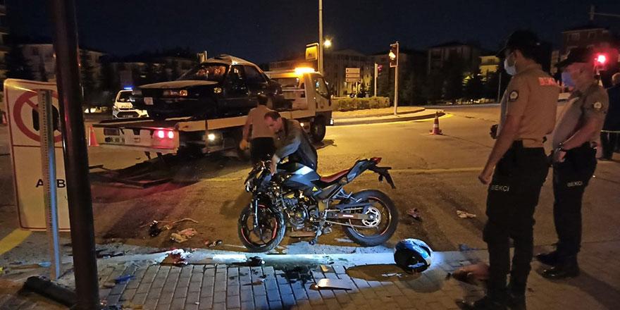 Başkent'te motosiklet kazası: 1 ölü, 2 yaralı