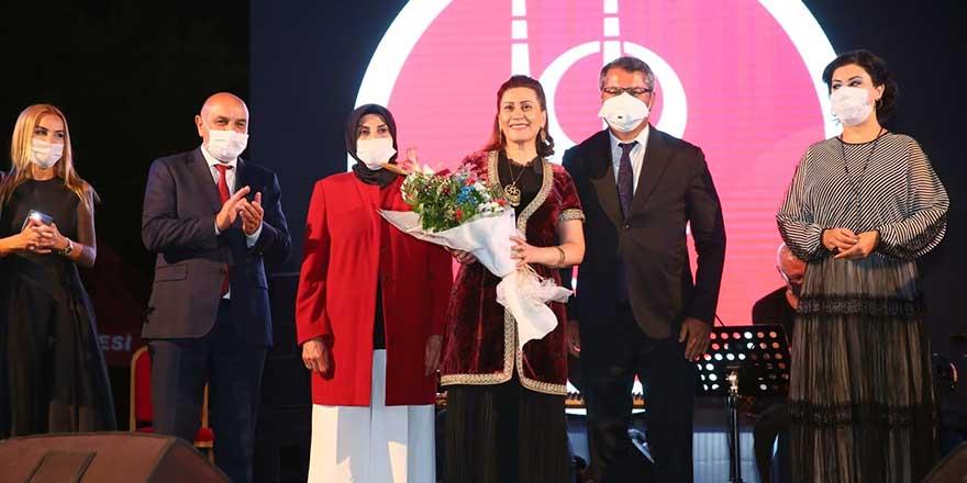 Azerin Keçiören'de konser verdi