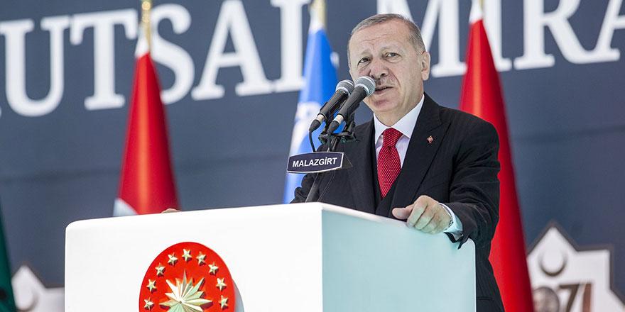 Cumhurbaşkanı Erdoğan'dan çok sert mesajlar