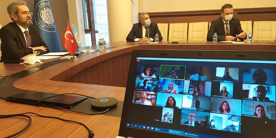 Hekim adayları online ortamda buluştu