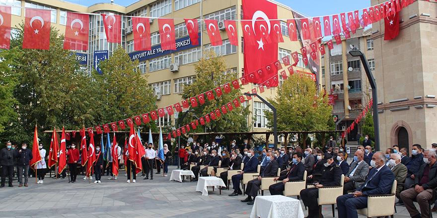 29 Ekim Akyurt'ta korona virüs gölgesinde kutlandı