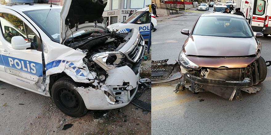 Polis arabası kaza yaptı: 3 yaralı