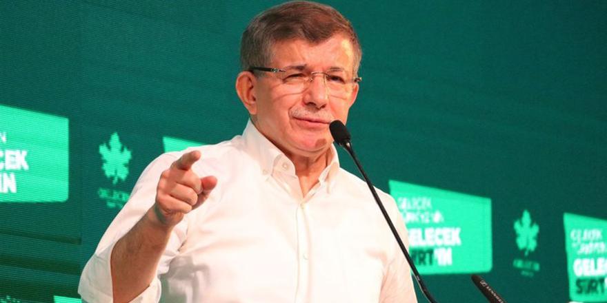 Ahmet Davutoğlu korona virüse yakalandı