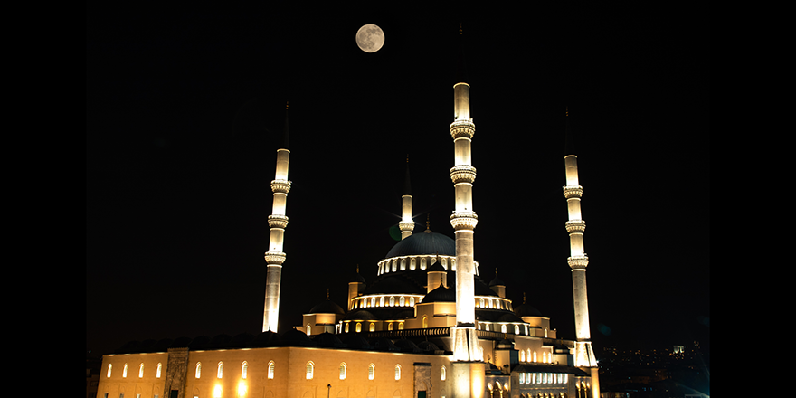 Ankara'da dolunay