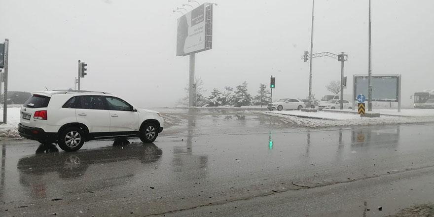 Kar sonrası sis trafikte zor anlar yaşattı