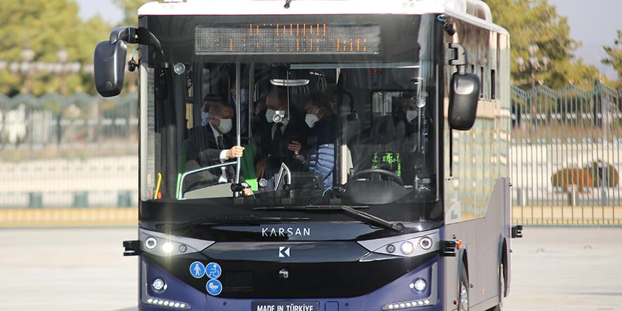 Cumhurbaşkanı Erdoğan, kabine toplantısına sürücüsüz otobüs ile gitti