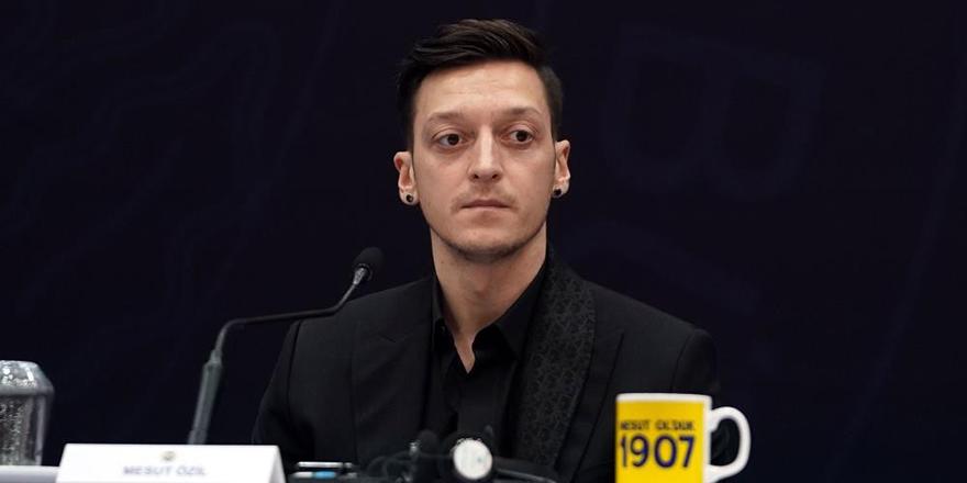 Transfer döneminde Mesut Özil konuşuldu