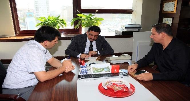 Başkan Ak'tan Türk Kızılayı'na kurban bağışı