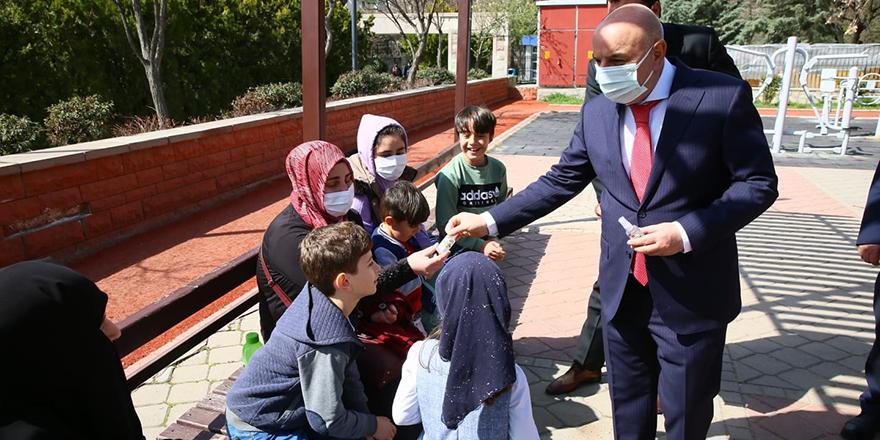 Altınok: İlk maske ve dezenfektan üreten belediyeyiz