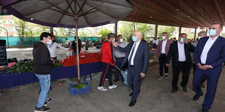 Yenimahalle'de hem pazarcıya hem vatandaşa destek