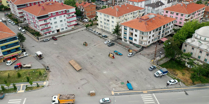 Yıldız Caddesi'ne kapalı semt pazarı geliyor