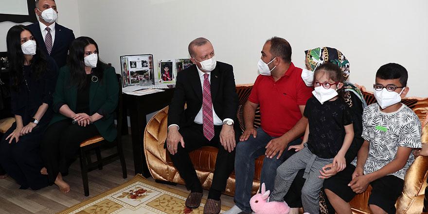 Cumhurbaşkanı Erdoğan'dan Sincan'da çatkapı ziyaret