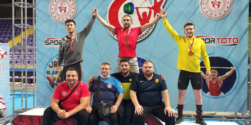 Ankaragücü Halter Takımından 2 gümüş 1 bronz madalya