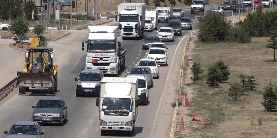 Arefe gününde ulaşımda trafik yoğunluğu