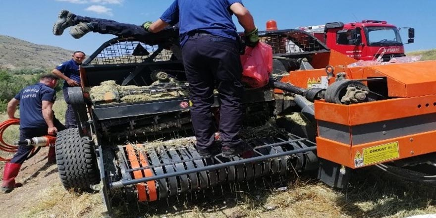 Balya makinasına sıkışan işçiyi itfaiye kurtardı