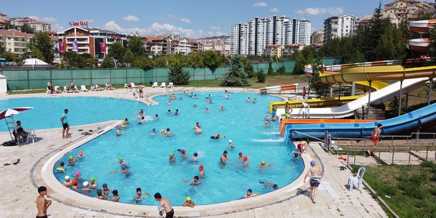 Keçiören'deki aqua parklara yoğun ilgi