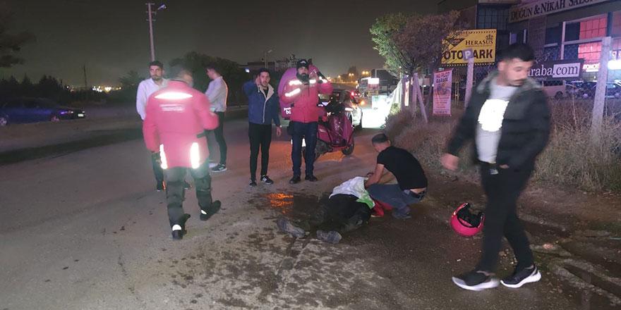 Sincan'da otomobilin çarptığı kurye yaralandı