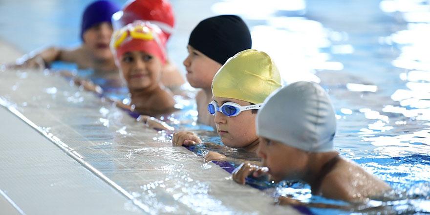 Ücretsiz yüzme kursları başlıyor