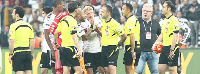 Beşiktaş ve Bursaspor PFDK'ya sevk edildi