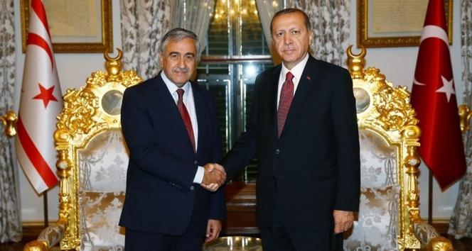 Erdoğan Akıncı'yla görüştü